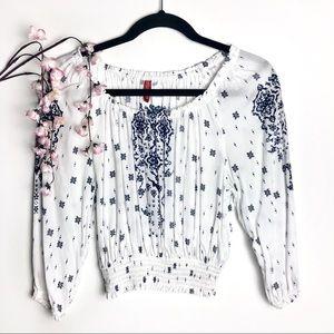 H&M Divided White & NavyBlue Ornate Pattern Blouse